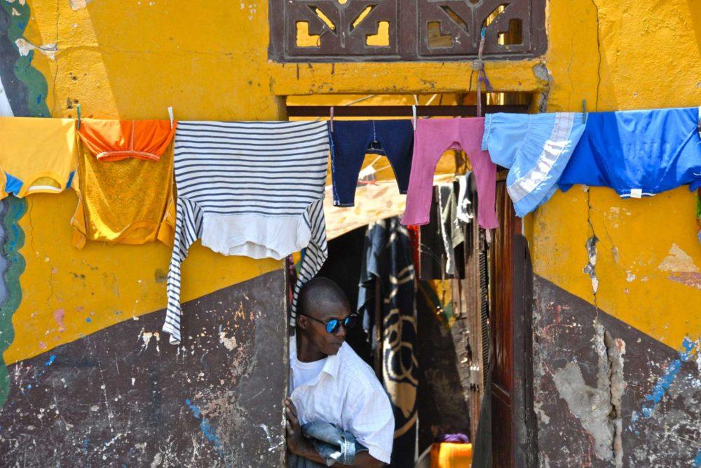 transafrica-articolo-senegal-jazz-biennale-panni