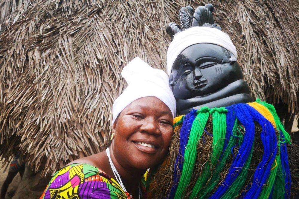 transafrica-prenota-ora-guinea-bissau-guinea-conakry-liberia-sierra-leone-foreste-maschere-oceano-donna